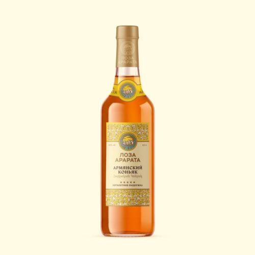 Логотип и оформление <br> марки напитков «Лоза Арарата»